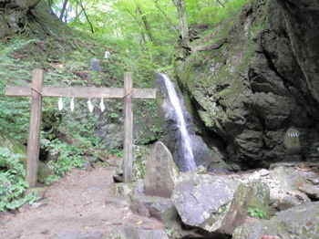 綾広の滝2.jpg