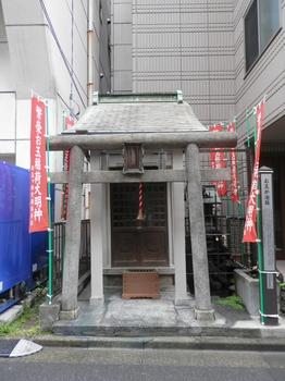 お玉稲荷神社.JPG