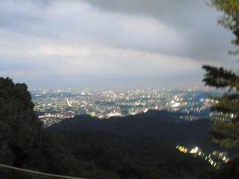 ビアガーデン(夜景).JPG
