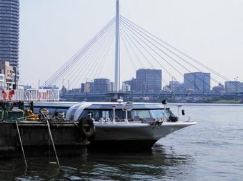 中央大橋.jpg