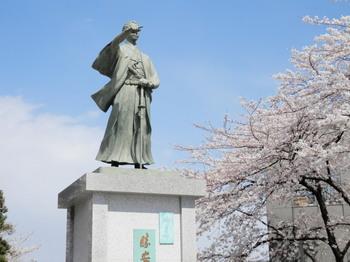 勝海舟の銅像.jpg