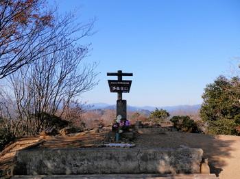 多峯主山山頂.jpg