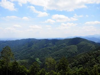 小仏城山方面(景信山から).JPG