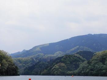 石老山(渡し舟から).jpg