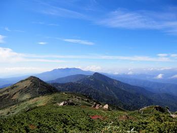 至仏山~小至仏山への尾根道.jpg