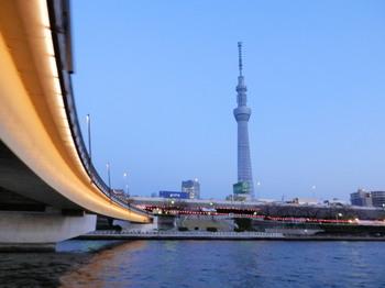 隅田川(桜橋とスカイツリー).jpg